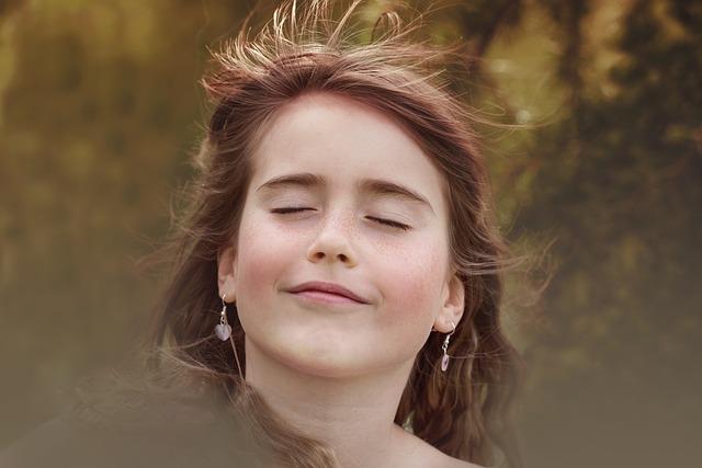 これで解決!顔の脂を抑えてサラサラ肌を手に入れる5つの方法