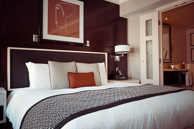 寝室の照明とインテリアを考えて幸運を引き寄せる7つの風水術