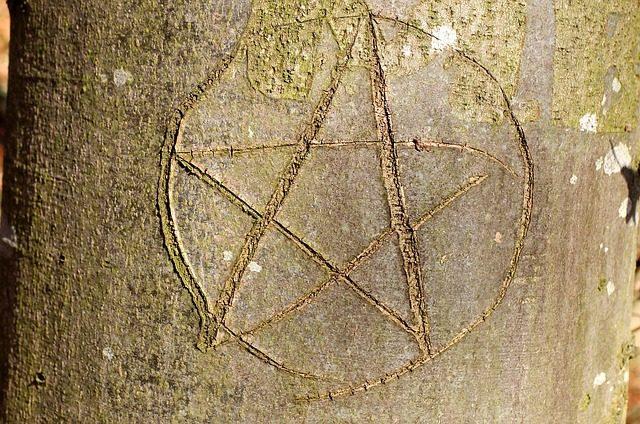 五芒星に秘められた意味と幸運を引き寄せる5つの方法