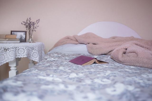 夫婦の寝室は別々が良い?夫婦円満のための開運風水のコツ
