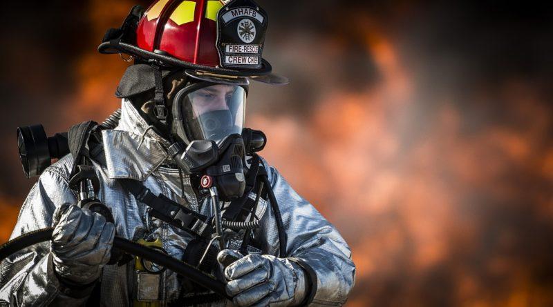 消防士の彼氏を持つと苦労する5つの瞬間と対処法
